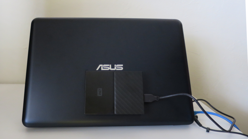 ASUS net book with 4TB portable drive